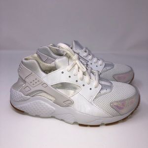 Nike Youth Huaraches White Prism Pink Iridescent